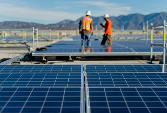 Prologis--Solar-w-Workers-web